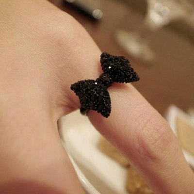 Fashion and Cute Dazzling Bowknot Embellished Women's Ring