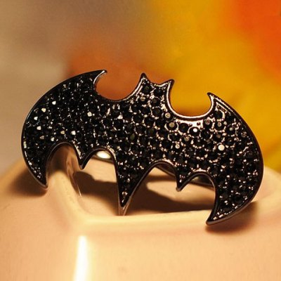 Fashion Punk Style Rhinestoned Bat Shape Womens Finger RingRings<br>Fashion Punk Style Rhinestoned Bat Shape Womens Finger Ring<br><br>Gender: For Women<br>Material: Rhinestone<br>Metal Type: Lead-tin Alloy<br>Style: Punk<br>Shape/Pattern: Animal<br>Weight: 0.073KG<br>Package Contents: 1 x Ring