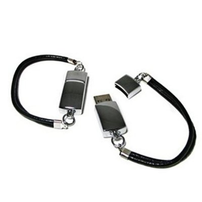 16GB Portable Slap - up Full Metal Wrist Strap U DiskUSB Flash Drives<br>16GB Portable Slap - up Full Metal Wrist Strap U Disk<br><br>Capacity: 16G<br>Type: Bracelet<br>Features: Special Occasion<br>Available Color: Black<br>Style: Stylish<br>Interface: USB 2.0<br>Package Weight: 0.020 kg<br>Package Size (L x W x H): 7.0 x 7.0 x 2.0 cm<br>Package Contents: 1 x 16GB USB Flash Disk