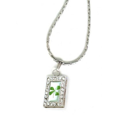 Exquisite Brilliant Rhinestone Embellished Square Pendant Four Leaf Clover Necklace For MenMens Jewelry<br>Exquisite Brilliant Rhinestone Embellished Square Pendant Four Leaf Clover Necklace For Men<br><br>Item Type: Pendant Necklace<br>Gender: Women<br>Material: Rhinestone<br>Style: Romantic<br>Shape/Pattern: Geometric<br>Weight: 0.12KG<br>Package Contents: 1 x Necklace