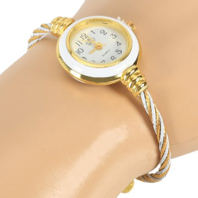 Фотография Portable Quartz Watch with 12 Arabic Numbers Indicate Alloy Watch Band for Women - White
