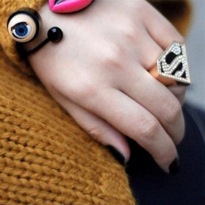 ФОТО Sweet Rhinestoned Letter S Pattern Design Triangle Ring For Women