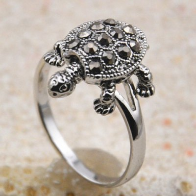 Cute Diamante Tortoise Embellished Alloy Ring For WomenRings<br>Cute Diamante Tortoise Embellished Alloy Ring For Women<br><br>Gender: For Women<br>Metal Type: Others<br>Style: Trendy<br>Shape/Pattern: Animal<br>Diameter: 1.7CM<br>Weight: 0.050KG<br>Package Contents: 1 x Ring