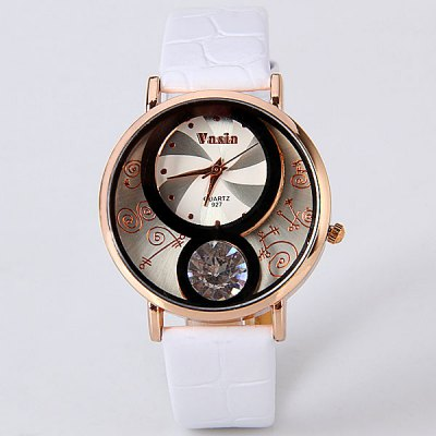 Vasia Calabash Shape Design Watch with Diamonds and Leather Band for WomenWomens Watches<br>Vasia Calabash Shape Design Watch with Diamonds and Leather Band for Women<br><br>Watches categories: Female table<br>Style : Diamond<br>Movement type: Quartz watch<br>Shape of the dial: Round<br>Display type: Pointer<br>Band material: Leather<br>Clasp type: Pin buckle<br>The dial thickness: 0.6 cm<br>The dial diameter: 3.5 cm<br>Product weight: 0.07 kg<br>Package weight: 0.12 kg<br>Product size (L x W x H) : 23.5 x 3.5 x 0.6 cm<br>Package size (L x W x H): 24.5 x 4.5 x 1.6 cm<br>Package contents: 1 x Watch