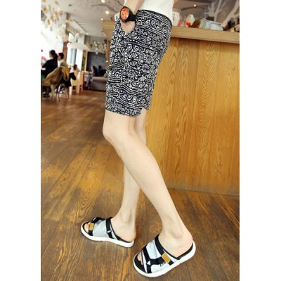 Casual Style Zipper Fly Ethnic Floral Print Slimming Design Straight Leg Men's Polyester Shorts