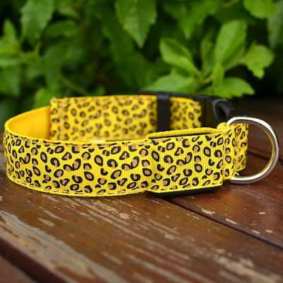 Sexy Leopard Print LED Collar 2.5cm Wide Glow Flashing Puppy Necklace Pet Decorative Props ( 30  -  40cm Adjustable Extent )