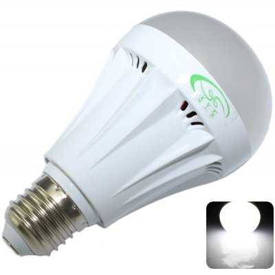 XinYiTong E27 7W 27 SMD-2835 600Lm White Light LED Ball Bulb