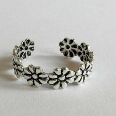 Vintage Small Flower Design Cuff Feet Ring For Women