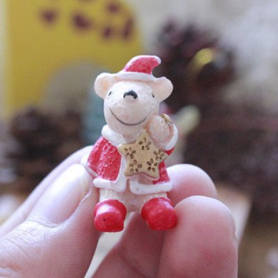 Exquisite Mini Resin Polar Bear Christmas Desk Adornment Toy Xmas Gadget Gift Home Office Ornaments