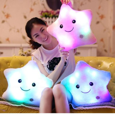 Гаджет   New RGB Colorful Pentagram Shaped Pillow Plush Toy for Christmas Gift