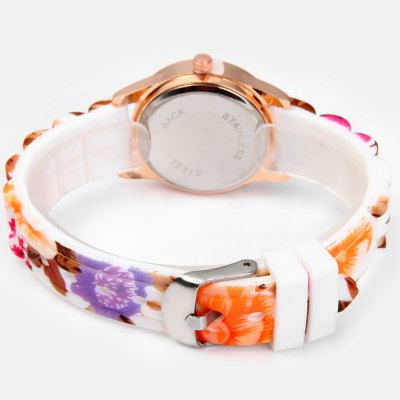 Фотография Small Golden Round Dial Quartz Watch with Silicone Printed Flower Causal Strap for Women