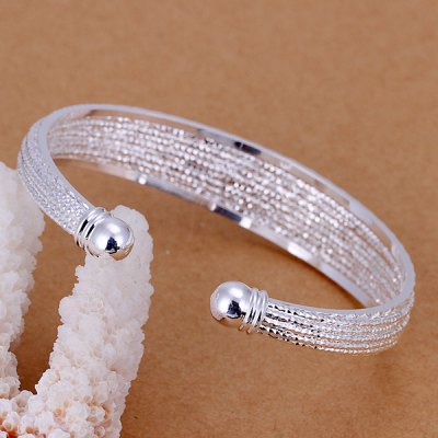 Charming Decorative Design Bracelet For Women