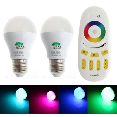Pair of Zweihnder E27 6W 2.4GHz RF Color Changing 450 - 700nm 450Lm RGB Ball Bulb + RF Remote Controller