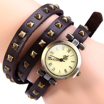 Vintage Style Watch with Square Rivet Round Dial Long Leather Watch Band