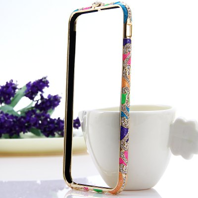 Фотография Fashionable Metal Bumper Frame Case of Diamond Design for iPhone 6  -  4.7 inches