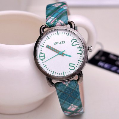 Retro Stripe PU Watchband Ladies Watch Japan Movt Round Dial Quartz WristwatchWomens Watches<br>Retro Stripe PU Watchband Ladies Watch Japan Movt Round Dial Quartz Wristwatch<br><br>Watches categories: Female table<br>Available color: Green, Purple, Yellow<br>Style : Retro, Fashion&amp;Casual<br>Movement type: Quartz watch<br>Shape of the dial: Round<br>Display type: Analog<br>Case material: Stainless steel<br>Case color: Gold<br>Band material: PU leather<br>Clasp type: Pin buckle<br>The dial thickness: 1.0 cm / 0.4 inches<br>The dial diameter: 2.7 cm / 1.1 inches<br>Product weight: 30 g<br>Package weight: 0.07 kg<br>Product size (L x W x H) : 23.5 x 3.8 x 1.0 cm / 9.3 x 1.5 x 0.4 inches<br>Package contents: 1 x Watch