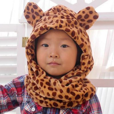 Giraffe Design Soft Coral Fleece Plush Neck Ear Protection Bomber Hat / Cap with Scarf