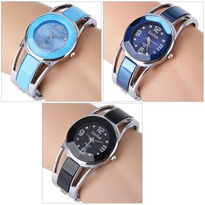 Xinhua 681 Bracelet Pattern Female Quartz WatchWomens Watches<br>Xinhua 681 Bracelet Pattern Female Quartz Watch<br><br>Watches categories: Female table<br>Available color: Black,Blue,Navy<br>Style: Bracelet,Stainless Steel<br>Movement type: Quartz watch<br>Shape of the dial: Round<br>Display type: Analog<br>The bottom of the table: Ordinary<br>Case material: Stainless Steel<br>Band material: Stainless Steel<br>The dial thickness: 0.6 cm / 0.24 inches<br>The dial diameter: 3 cm / 1.18 inches<br>The band width: 2.2 cm / 0.87 inches<br>Product weight: 0.046 kg<br>Package weight: 0.1 kg<br>Package size (L x W x H): 7 x 7 x 4 cm / 2.75 x 2.75 x 1.57 inches<br>Package Contents: 1 x Watch