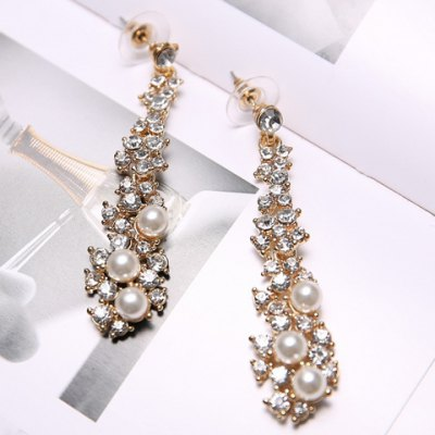 Pair of Stylish Womens Rhinestone Faux Pearl Drop EarringsEarrings<br>Pair of Stylish Womens Rhinestone Faux Pearl Drop Earrings<br><br>Earring Type: Drop Earrings<br>Gender: For Women<br>Material: Rhinestone<br>Metal Type: Alloy<br>Style: Trendy<br>Shape/Pattern: Water Drop<br>Weight: 0.060KG<br>Package Contents: 1 x Earring(Pair)