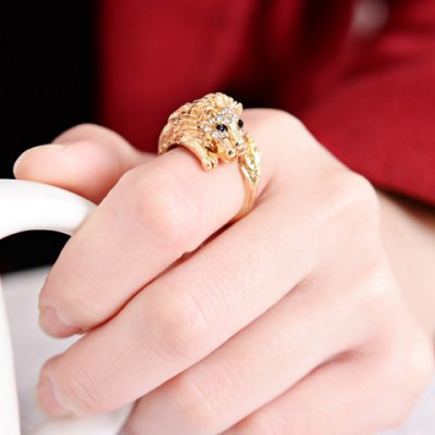 Chic Womens Rhinestone Lion Design RingRings<br>Chic Womens Rhinestone Lion Design Ring<br><br>Gender: For Women<br>Material: Rhinestone<br>Metal Type: Alloy<br>Style: Trendy<br>Shape/Pattern: Animal<br>Metal Color: Antique Gold Plated<br>Diameter: 1.7CM<br>Weight: 0.05KG<br>Package Contents: 1 x Ring