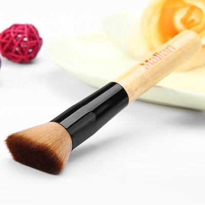 Portable Cosmetic Make - up Flat Definer Brush with Wooden Handle