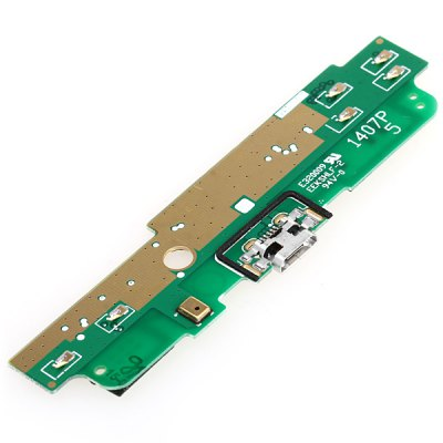 Dock Connector Charging USB Port and Micr Replacement Flex Cable for Nokia Lumia 1320Flex Cable<br>Dock Connector Charging USB Port and Micr Replacement Flex Cable for Nokia Lumia 1320<br><br>Component types : Ribbon cable<br>Compatibility: Nokia<br>Product weight: 0.003 kg<br>Package weight: 0.025 kg<br>Package size (L x W x H): 8 x 2.5 x 1 cm / 3.14 x 0.98 x 0.39 inches<br>Package Contents: 1 x Charging Port Dock Flex Cable