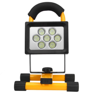 Гаджет   BAILONG 10W 1200LM Water-resistant 7 LED Flood Light Rechargeable Security Lamp with Car Charger ( Build-in 4Ah Battery 100 - 240V )