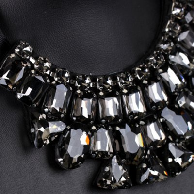 Chic Rhinestoned Geometric Ribbon Womens NecklaceNecklaces &amp; Pendants<br>Chic Rhinestoned Geometric Ribbon Womens Necklace<br><br>Item Type: Pendant Necklace<br>Gender: For Women<br>Material: Rhinestone<br>Style: Trendy<br>Shape/Pattern: Geometric<br>Weight: 0.13KG<br>Package Contents: 1 x Necklace