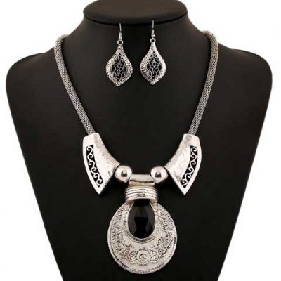A Suit Retro Classic Faux Gem Printed Drop Necklace And Earrings For Women
