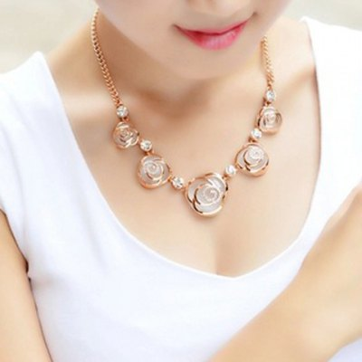Delicate Faux Opal Rhinestone Decorated Blossom Pendant Necklace For Women