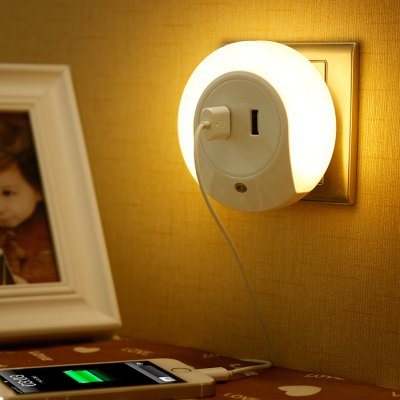 Dual USB LED Night LightIndoor Lights<br>Dual USB LED Night Light<br><br>Plug: US adapter<br>Wattage (W): 2<br>Product weight: 0.098 kg<br>Package weight: 0.16 kg<br>Product size (L x W x H): 9 x 9 x 5.8 cm / 3.54 x 3.54 x 2.28 inches<br>Package size (L x W x H): 10 x 10 x 7 cm / 3.93 x 3.93 x 2.75 inches<br>Package Contents: 1 x Creative Down Sensor LED Night Light