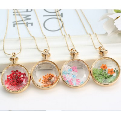 Flower Decorated Round Pendant Necklace For Women (ONE PIECE)