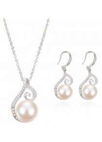 A Suit of Rhinestone Faux Pearl Necklace and Earrings
