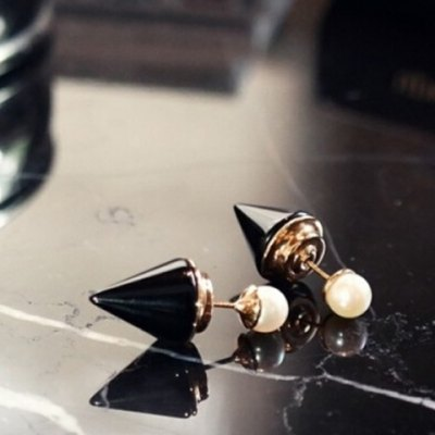 Pair of Alloy Faux Pearl Pointed Cone Stud Earrings