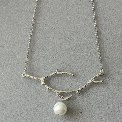 Characteristic Tree Branch Faux Pearl Necklace For WomenNecklaces &amp; Pendants<br>Characteristic Tree Branch Faux Pearl Necklace For Women<br><br>Item Type: Pendant Necklace<br>Gender: For Women<br>Material: Pearl<br>Style: Trendy<br>Shape/Pattern: Plant<br>Length: 48CM-55CM<br>Weight: 0.10KG<br>Package Contents: 1 x Necklace