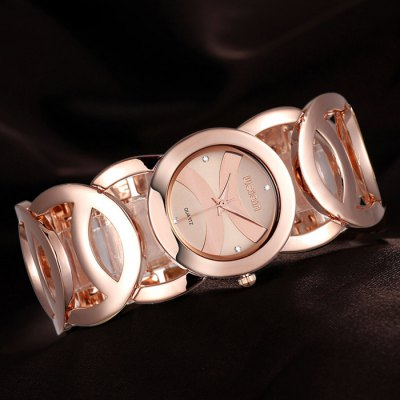 WeiQin 2487 Japan Quartz Bracelet Women Chain Watch with Hollow Out Alloy BandWomens Watches<br>WeiQin 2487 Japan Quartz Bracelet Women Chain Watch with Hollow Out Alloy Band<br><br>Available Color: Golden, Rose Gold, White and Golden, Rose Gold and White<br>Band material: Alloys<br>Brand: Weiqin<br>Case material: Alloy<br>Clasp type: Sheet folding clasp<br>Display type: Analog<br>Movement type: Quartz watch<br>Package Contents: 1 x WeiQin 2487 Watch<br>Package size (L x W x H): 21.4 x 4 x 2 cm / 8.41 x 1.57 x 0.79 inches<br>Package weight: 0.14 kg<br>Product size (L x W x H): 20.4 x 3 x 1 cm / 8.02 x 1.18 x 0.39 inches<br>Product weight: 0.090 kg<br>Shape of the dial: Round<br>Style: Fashion&amp;Casual, Bracelet<br>The band width: 3 cm / 1.18 inches<br>The dial diameter: 3 cm / 1.18 inches<br>The dial thickness: 1 cm / 0.39 inches<br>Watches categories: Female table