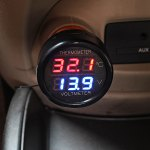 CS-302 Car Voltmeter and Thermometer