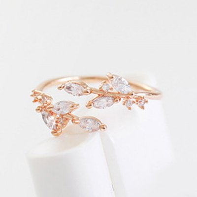 Chic Rhinestone Tree Leaf Cuff Ring For WomenRings<br>Chic Rhinestone Tree Leaf Cuff Ring For Women<br><br>Gender: For Women<br>Material: Rhinestone<br>Metal Type: Alloy<br>Style: Trendy<br>Shape/Pattern: Plant<br>Diameter: 1.7CM<br>Weight: 0.04KG<br>Package Contents: 1 x Ring