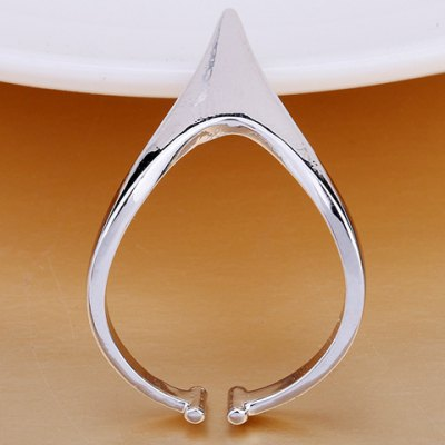 Stylish Solid Color Geometric Ring For WomenRings<br>Stylish Solid Color Geometric Ring For Women<br><br>Gender: For Women<br>Metal Type: Copper Alloy<br>Style: Trendy<br>Shape/Pattern: Geometric<br>Diameter: 1.7CM<br>Weight: 0.04KG<br>Package Contents: 1 x Ring