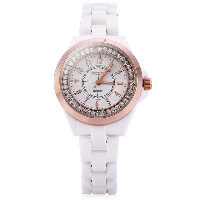 SKONE 7243 Female Rhinestone Embedded Quartz Watch with Ceramic BandWomens Watches<br>SKONE 7243 Female Rhinestone Embedded Quartz Watch with Ceramic Band<br><br>Brand: Skone<br>Watches categories: Female table<br>Style: Ceramics<br>Movement type: Quartz watch<br>Shape of the dial: Round<br>Display type: Analog<br>Case material: Alloy<br>Band material: Ceramic<br>Clasp type: Conjoined clasp<br>Band color: White<br>The dial thickness: 1 cm / 0.39 inches<br>The dial diameter: 3.5 cm / 1.38 inches<br>The band width: 1.4 cm / 0.55 inches<br>Product weight: 0.061 kg<br>Package weight: 0.067 kg<br>Package size (L x W x H): 5.70 x 13.60 x 2.00 cm / 2.24 x 5.35 x 0.79 inches<br>Package Contents: 1 x SKONE 7243 Ceramic Rhinestone Embedded Quartz Women Watch