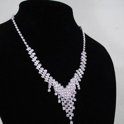 A Suit of Alloy Rhinestoned Tassel Necklace and Earrings от GearBest.com INT