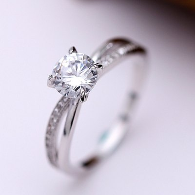 Graceful Rhinestoned Hollow Out Round Ring For Women