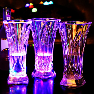 Фотография Water Activated Flashing LED Juice Cup Drinkware