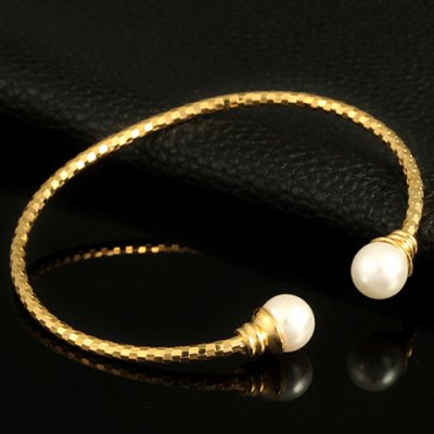 Graceful Faux Pearl Cuff Bracelet For WomenBracelets &amp; Bangles<br>Graceful Faux Pearl Cuff Bracelet For Women<br><br>Item Type: Cuff Bracelet<br>Gender: For Women<br>Chain Type: Cable-wire Chain<br>Style: Trendy<br>Shape/Pattern: Others<br>Length: 6CM-7CM (Diameter)<br>Weight: 0.06KG<br>Package Contents: 1 x Bracelet