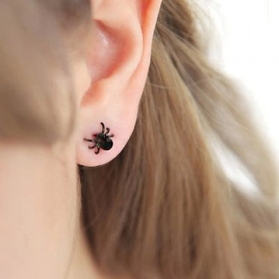 Pair of Simple Style Solid Color Spider Shape Earrings For Women