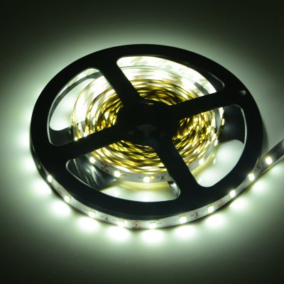 HML 5M x 60 SMD 2835 / M 2400Lm 24W LED Strip Light