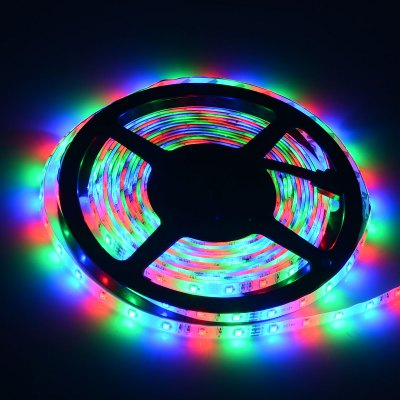 HML 60 SMD 2835 / M 5M 24W RGB Strip Light + 44 Keys Controller