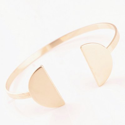 Stylish Solid Color Semicircle Shape Cuff Bracelet For WomenBracelets &amp; Bangles<br>Stylish Solid Color Semicircle Shape Cuff Bracelet For Women<br><br>Item Type: Cuff Bracelet<br>Gender: For Women<br>Chain Type: Cable-wire Chain<br>Style: Trendy<br>Shape/Pattern: Geometric<br>Length: 5.4CM(Diameter)<br>Weight: 0.08KG<br>Package Contents: 1 x Bracelet
