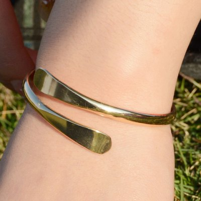 Chic Solid Color Mirror Side Cuff Bracelet For Women