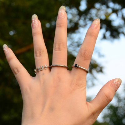 A Suit of Chic Rhinestone Leaf Pitted Surface Rings For Women
